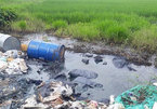 Chemical drums dumped on the side of Thang Long Boulevard