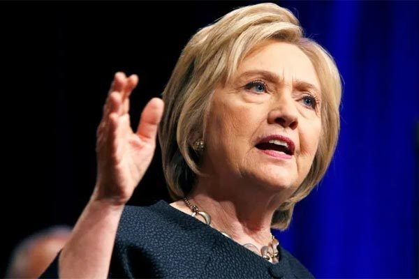 Hillary Clinton dự đoán kết cục thảm cho ông Trump