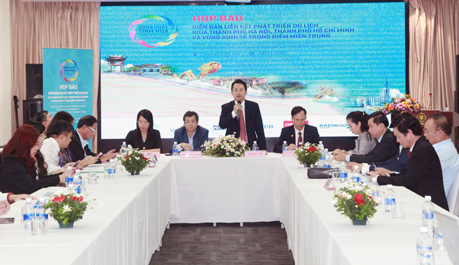 Hà Nội, TP.HCM và 5 tỉnh miền Trung 'bắt tay' phát triển du lịch