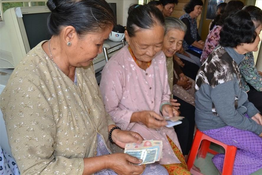 Lương hưu quá thấp, hàng trăm nghìn người sống chật vật