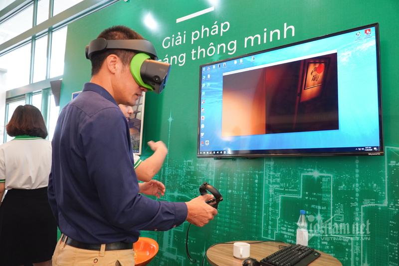 Trải nghiệm nhà thông minh bằng thiết bị Make in Vietnam