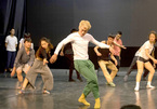 Contemporary dance show performed in Hanoi