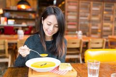 Giảm cân cấp tốc bằng thực đơn ăn súp 7 ngày