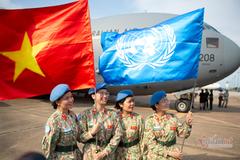 Khoảnh khắc chiến sĩ 'mũ nồi xanh' lên đường đến Nam Sudan