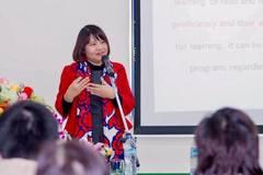 Cô giáo Việt là người châu Á duy nhất dạy sư phạm tiếng Anh ở Nam Úc