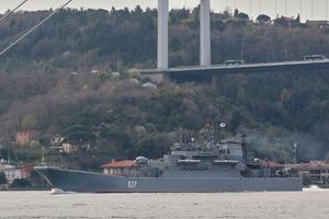Nga điều tàu chiến đến Biển Đen, Ukraina tuyên bố 'sẵn sàng chiến đấu'