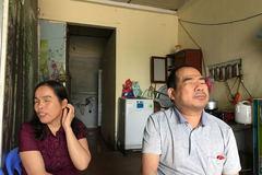 Nỗi thống khổ của đôi vợ chồng mù 10 năm chưa thoát cảnh nghèo