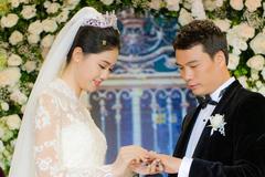 Cuộc sống của á hậu Thanh Tú với doanh nhân hơn 16 tuổi hiện ra sao?