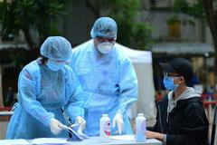 Thêm 2 ca mắc Covid-19, Việt Nam tiêm vắc xin thần tốc