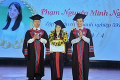 Hơn 200 sinh viên Trường ĐH Kinh tế Quốc dân tốt nghiệp xuất sắc