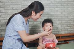 Nhiều thói quen xấu thời nay gây hại mắt của trẻ