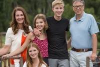 Vợ chồng tỷ phú Bill Gates dạy con: Chọn bạn đời sai có thể chọn lại
