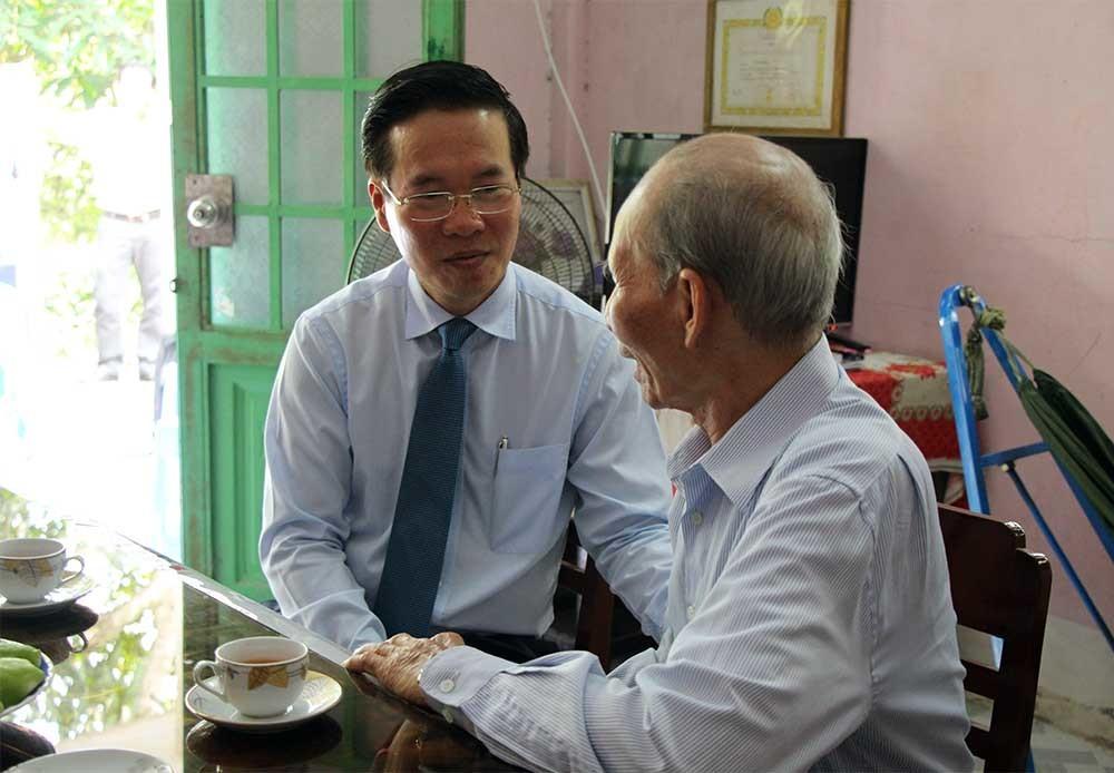 Ông Võ Văn Thưởng: 'Đấu tranh chống suy thoái rất cần báo chí và văn nghệ sỹ'
