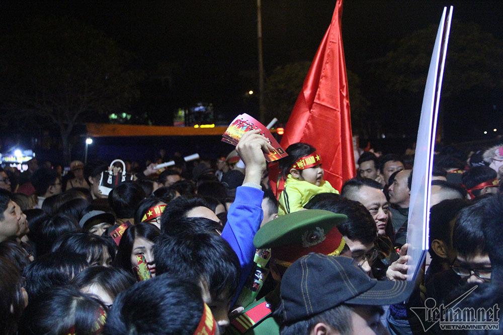 U23 Việt Nam, Park Hang Seo, Hậu vệ Văn Thanh, Nguyễn Trọng Đại, Nguyễn Văn Toàn, Phạm Đức Huy, bóng đá Việt Nam, chen lấn, Hải Dương