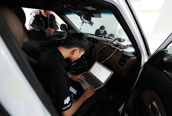 Gặp kỹ sư 9X viết phần mềm công nghệ xe ô tô tự hành