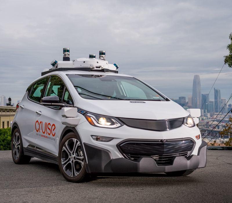 Mẫu xe điện tự động hoàn toàn không có vô lăng gây chấn động thế giới