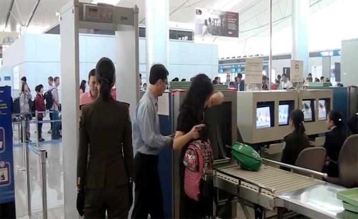 Phạt 2 nhân viên an ninh để nữ hành khách bị cấm bay vẫn được bay