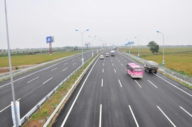 Vào ra đường cao tốc sao cho đúng luật?