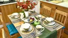 Cách bày trí bàn ăn nổi bật suốt dịp Tết