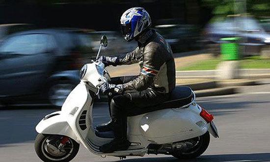 Sai lầm 'chết người' khi đi xe máy nhiều người mắc cần bỏ ngay