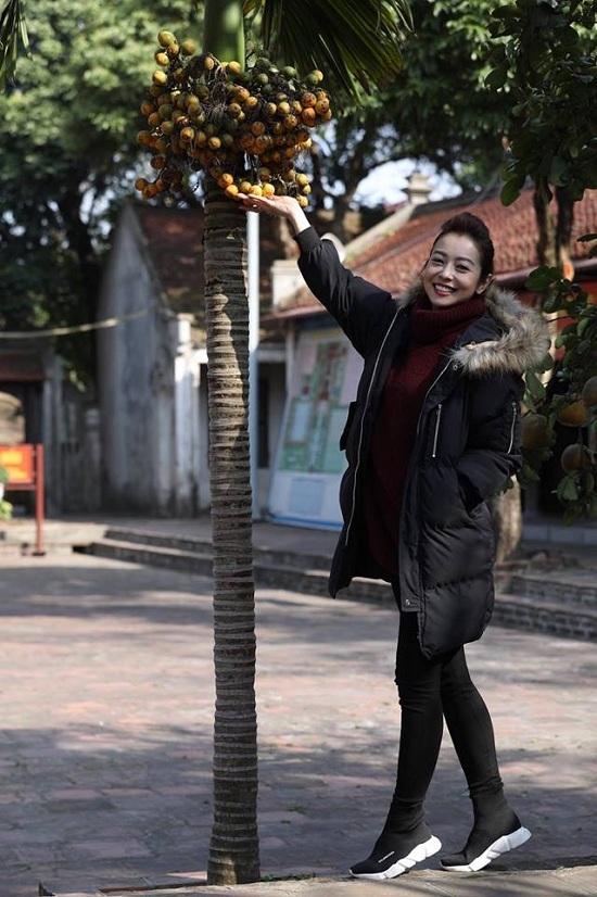 Hoa hậu Mai Phương Thúy đăng ảnh 'dìm hàng' Á hậu Tú Anh