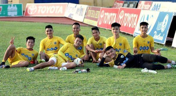 U23 Việt Nam được 'bảo vệ' rồi, về với... bóng đá thôi