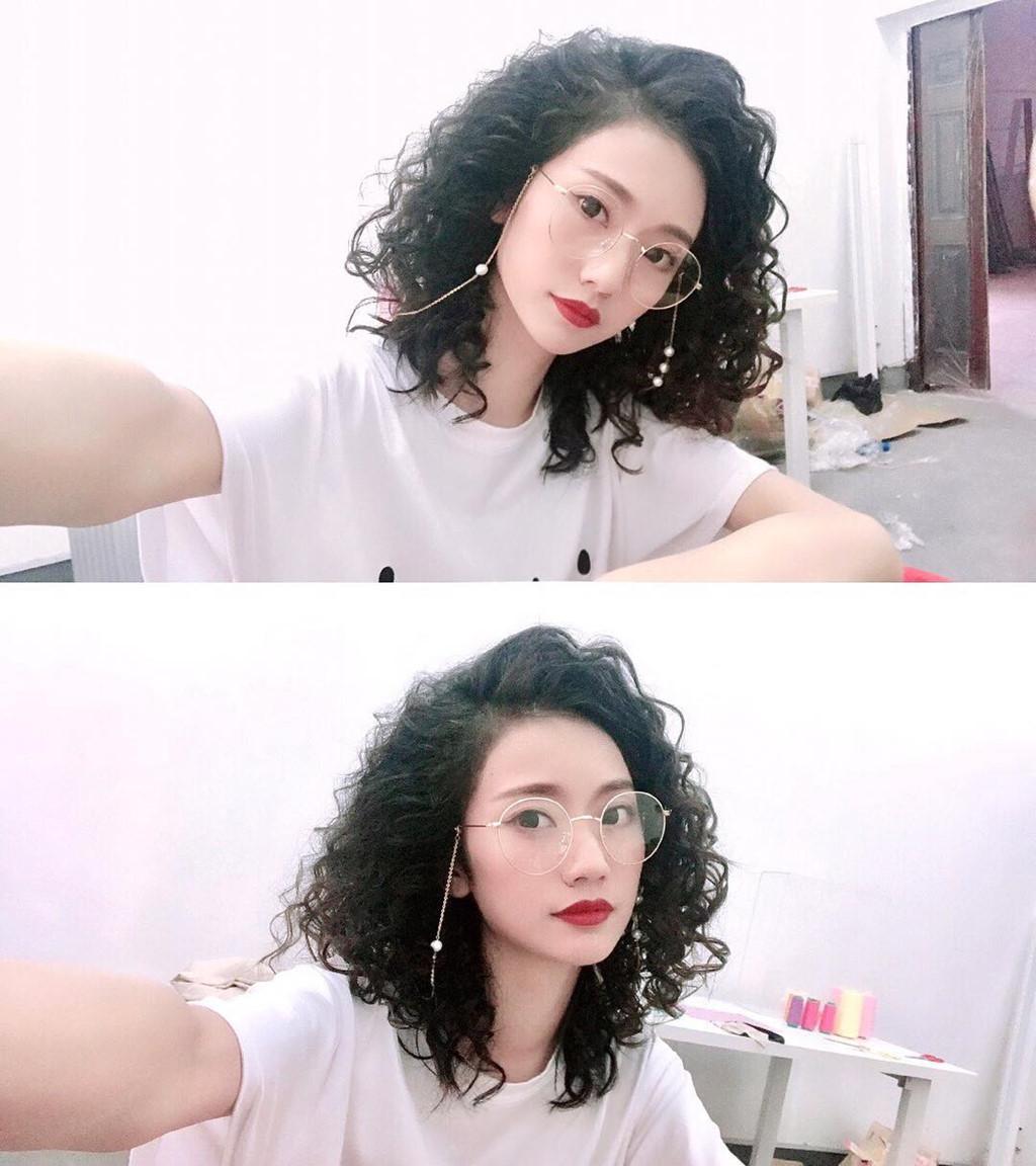9X Trung Quốc được ngưỡng mộ vì xinh đẹp, giàu có