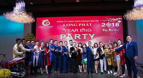 Sôi động Gala Year End Party Địa ốc Long Phát
