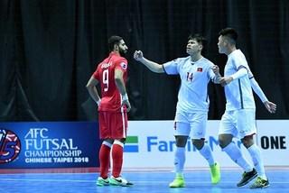 Thắng nghẹt thở, futsal Việt Nam có 3 điểm đầu tiên ở giải châu Á
