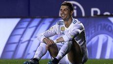 """Ronaldo """"tịt ngòi"""", Real nguy cơ mất vé dự Champions League"""