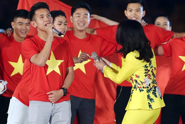 Công Phượng, Mỹ Tâm, U23 Việt Nam, HLV Park Hang Seo