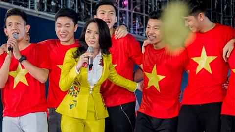 Hồng Duy, Mỹ Tâm song ca Niềm tin chiến thắng
