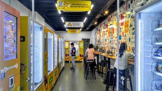 robot bán hàng,robot phục vụ,cửa hàng robot,cách mạng 4.0