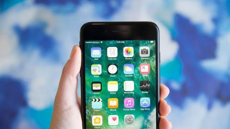 iPhone mới có thể chậm hơn vì dùng chip Intel