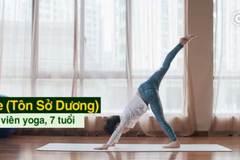 Bé 7 tuổi kiếm hàng trăm triệu từ dạy yoga