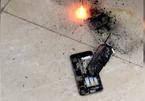 iPhone nổ tan tành trong salon tóc tại Hà Nội