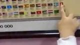 Kinh ngạc bé trai thuộc tất cả quốc kỳ các nước trên thế giới