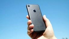 Nhà sản xuất iPhone lạc quan với thị trường smartphone cao cấp