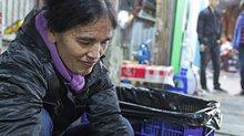 Người mẹ lao công nuôi con gái giành học bổng 6 tỷ đại học Mỹ