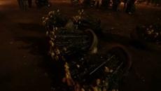 Xót xa cảnh người dân tự tay đập bỏ những chậu hoa ế ẩm ngày 30 tết