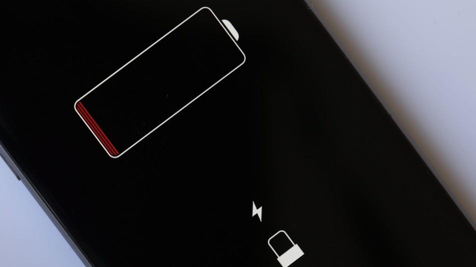Apple có thể hoàn tiền cho người dùng iPhone lỡ thay pin giá cao