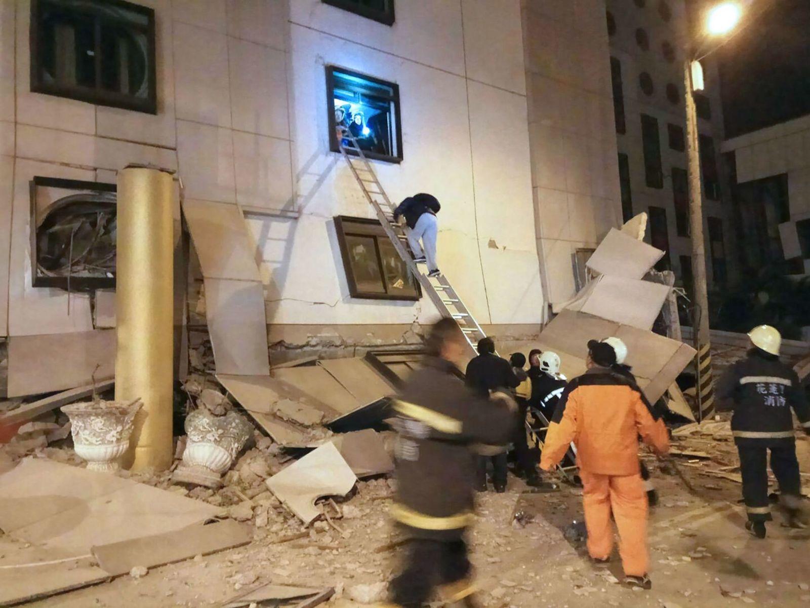 Động đất Đài Loan: nhiều nhà sập, thương vong lớn