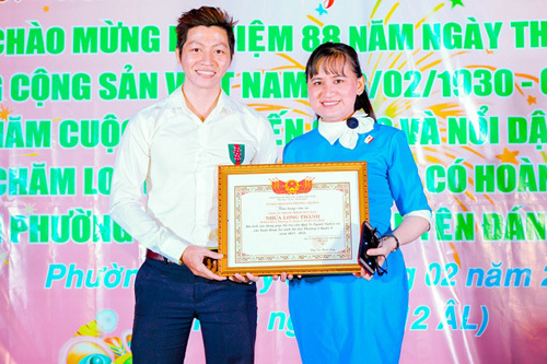 Nhựa Long Thành tặng quà Tết cho người nghèo quận 6, TP.HCM