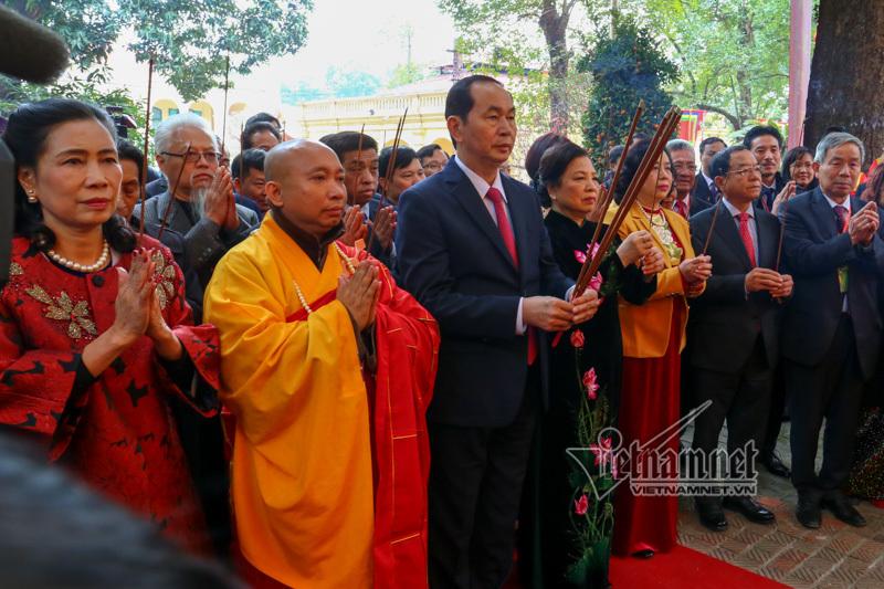 Chủ tịch nước,Trần Đại Quang,thả cá chép,kiều bào,Tết nguyên đán 2018