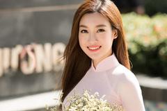 Hoa hậu Đỗ Mỹ Linh làm giám khảo Lễ hội áo dài 2018