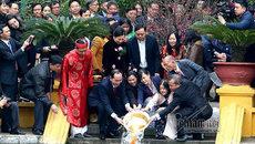 Chủ tịch nước cùng kiều bào thả cá tiễn ông Táo