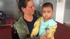 Mẹ khóc lặng vì gần Tết không vay được tiền chữa bệnh cho con