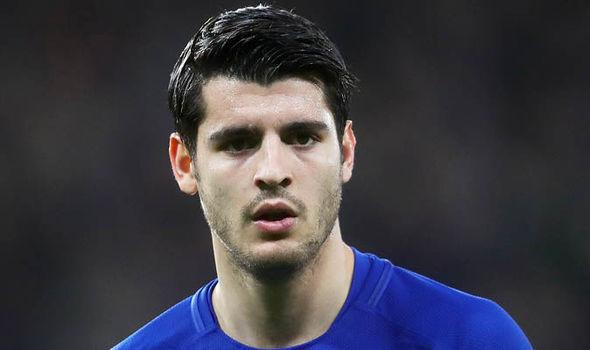 Morata tháo chạy khỏi Chelsea, Giggs 'dạy khôn' Mourinho