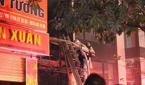 cháy nhà 5 tầng Trần Duy Hưng