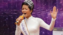 Giọng hát của 3 đời Hoa hậu Hoàn vũ Việt Nam gây ngạc nhiên không kém nhan sắc!